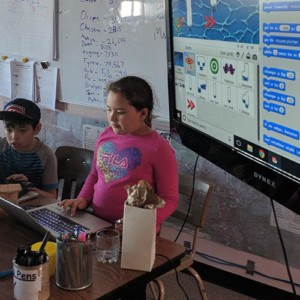 A student sharing their Scratch project during a te(a)ch session.