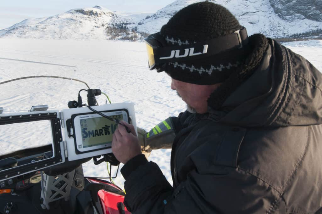 Through SmartICE, Rex Holwell sees data in real-time produced by the SmartKamutik he is towing.