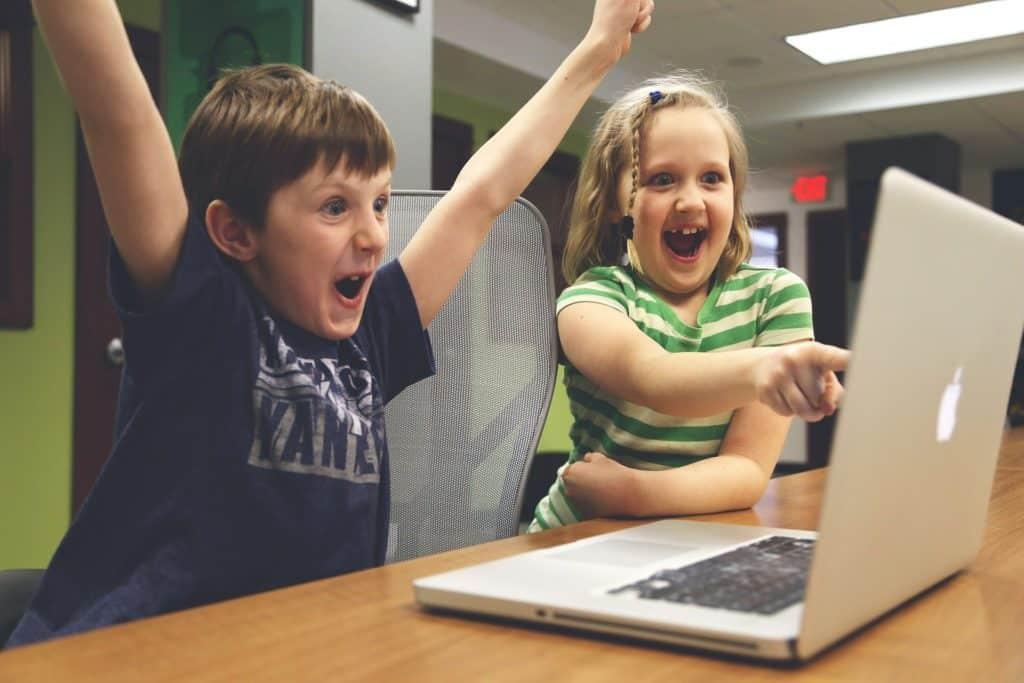 kids playing games