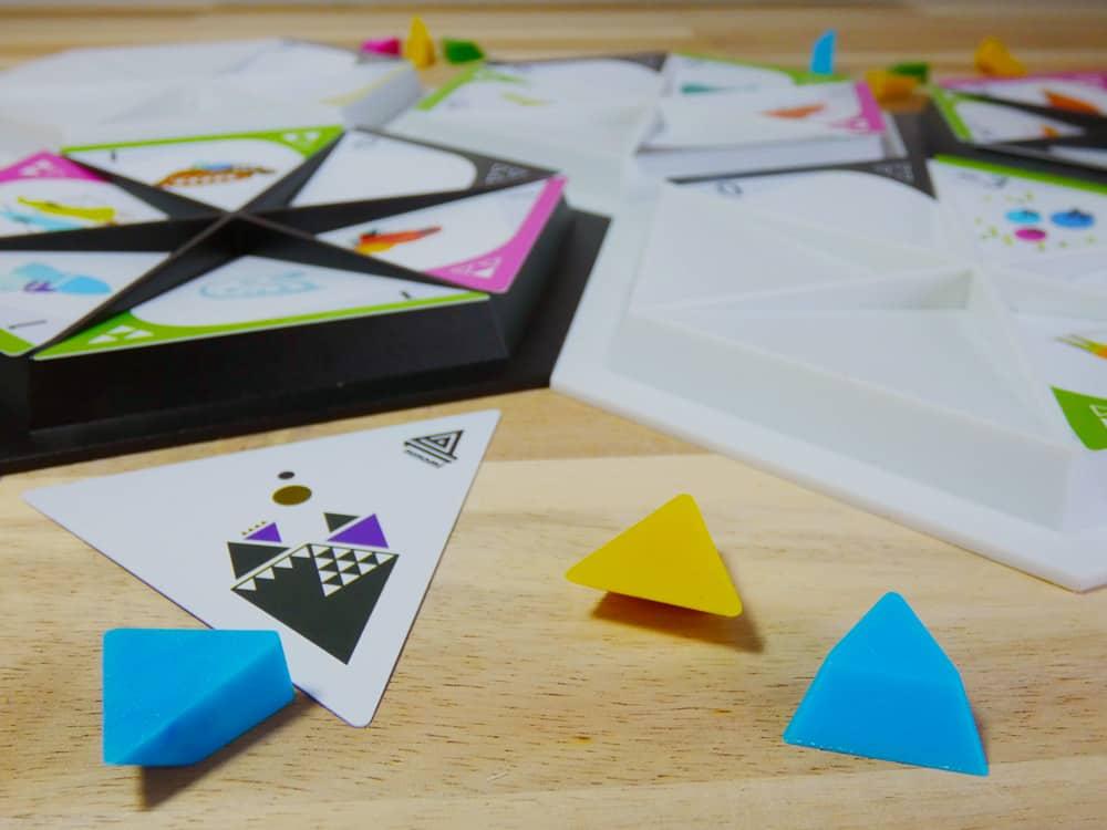 Pieces of the tabletop game Nunami.